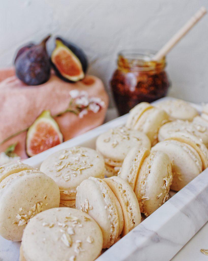Fig cobbler macarons