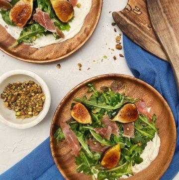 Arugula salad with figs, prosciutto, pistachio, mascarpone