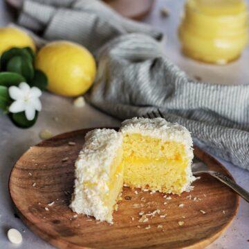 Lemon white chocolate lamington
